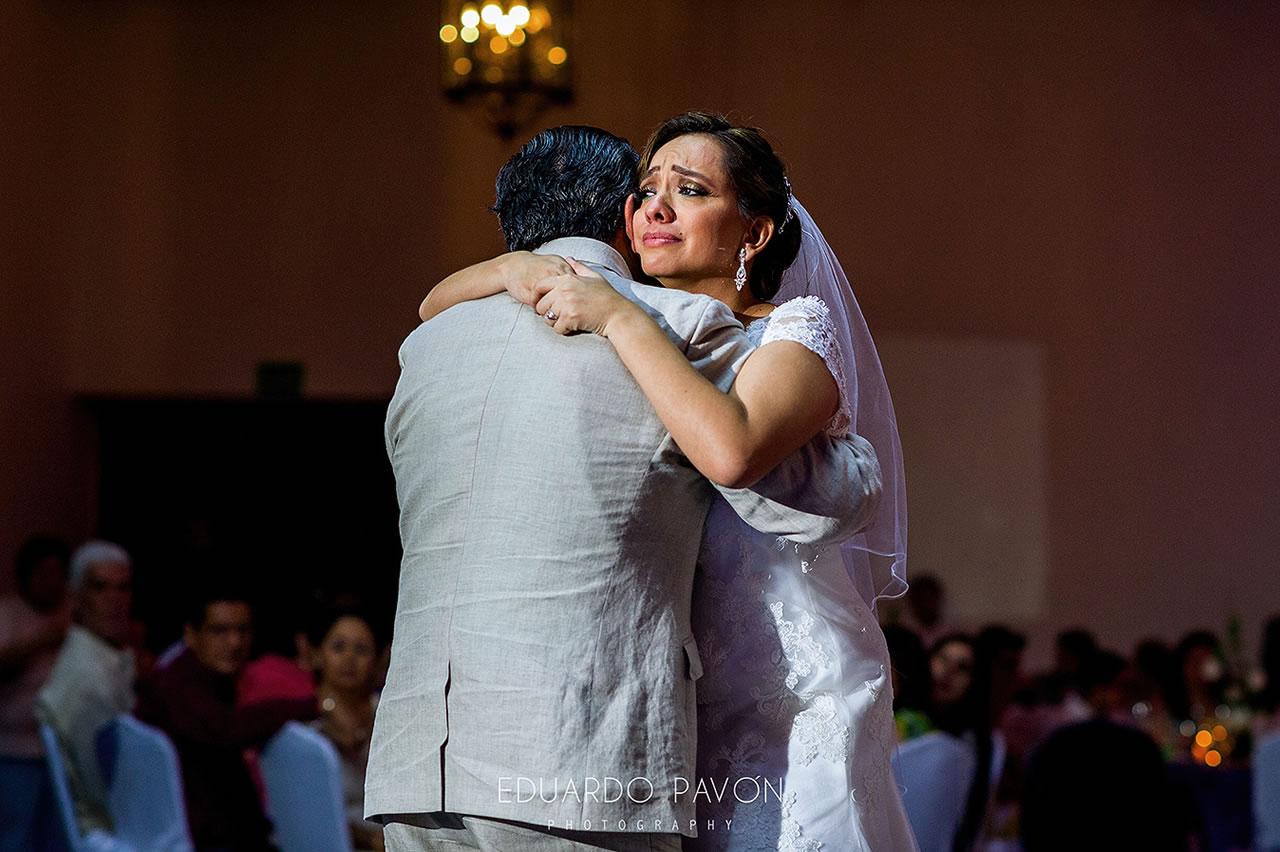 wedding-andrea-christian-fiesta-americana-veracruz-21.jpg