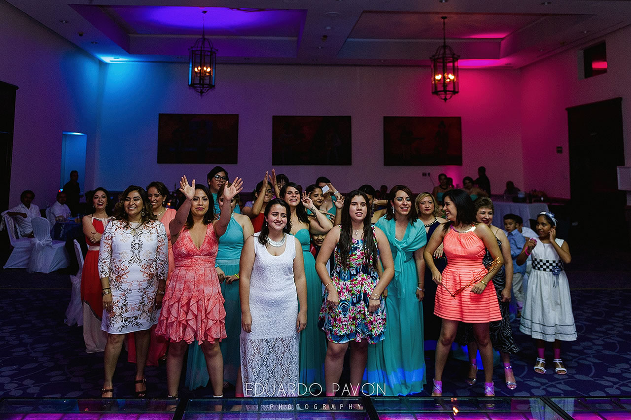wedding-andrea-christian-fiesta-americana-veracruz-27.jpg