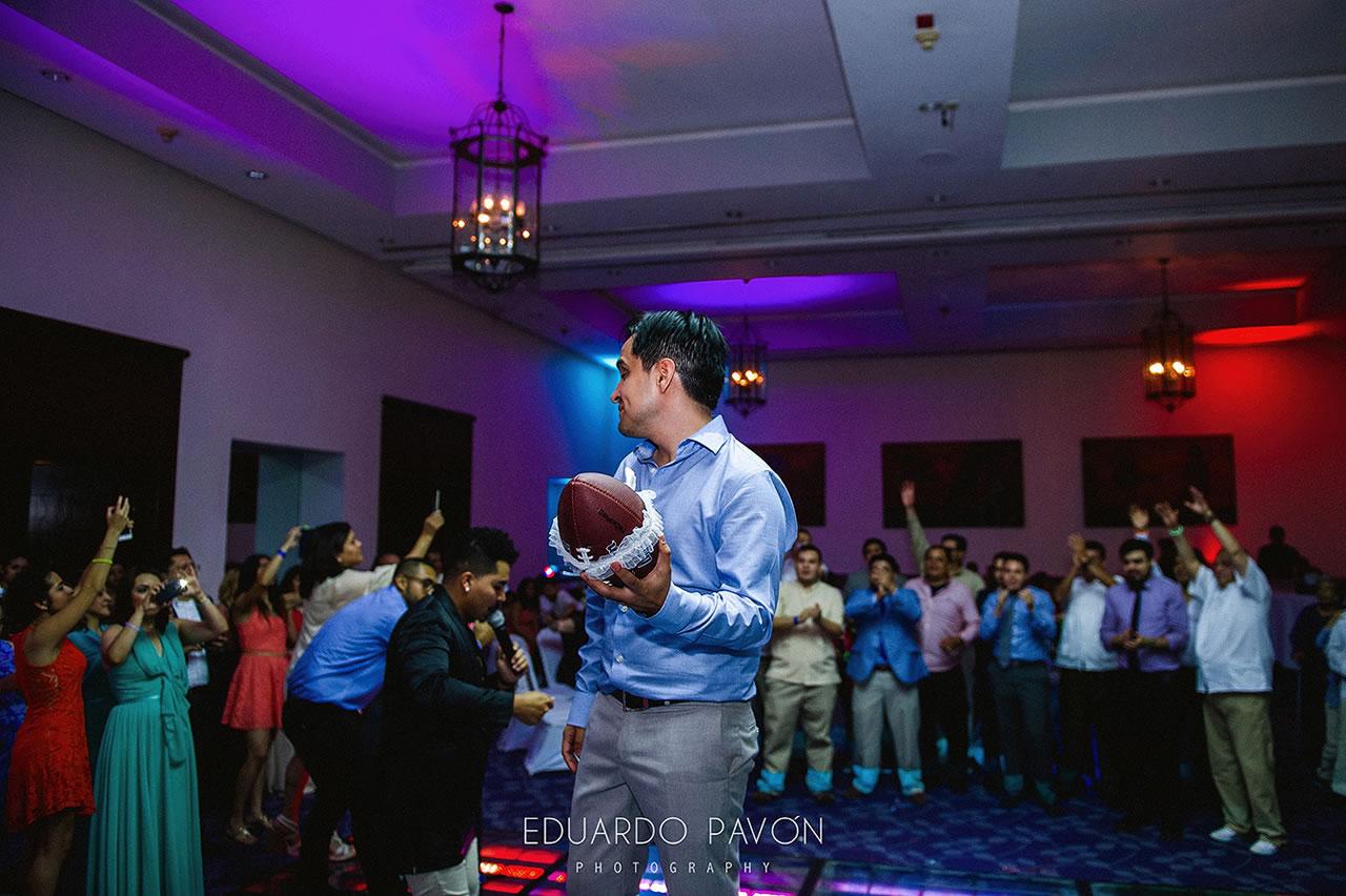 wedding-andrea-christian-fiesta-americana-veracruz-32.jpg