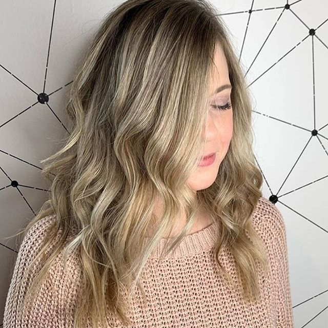 When the cold weather hits, we love to add a little 'moody-root' to our blondes! It adds depth without taking away the blonde factor. Cut and color by @beautyby_bree at @moore_hairdesign #moorehairdesign