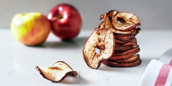 Baked-Apple-Chips-715x358.jpg