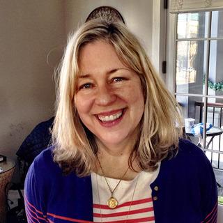 Aida Reyes-Kuehn, Project Manager