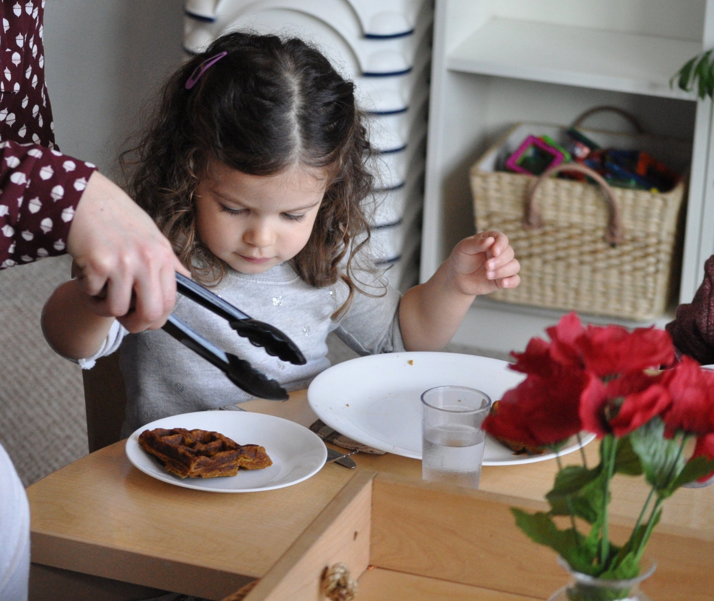 2½ - 3½ YEARS: COOKING, ART & STORYTELLING - Setting the stage for increasing independence, (healthy) recipes become more complex, process-focused art experiences take flight, storytelling expands, playful exploration deepens, and social connection abounds. Tuesdays or Wednesdays 10:45-11:45am