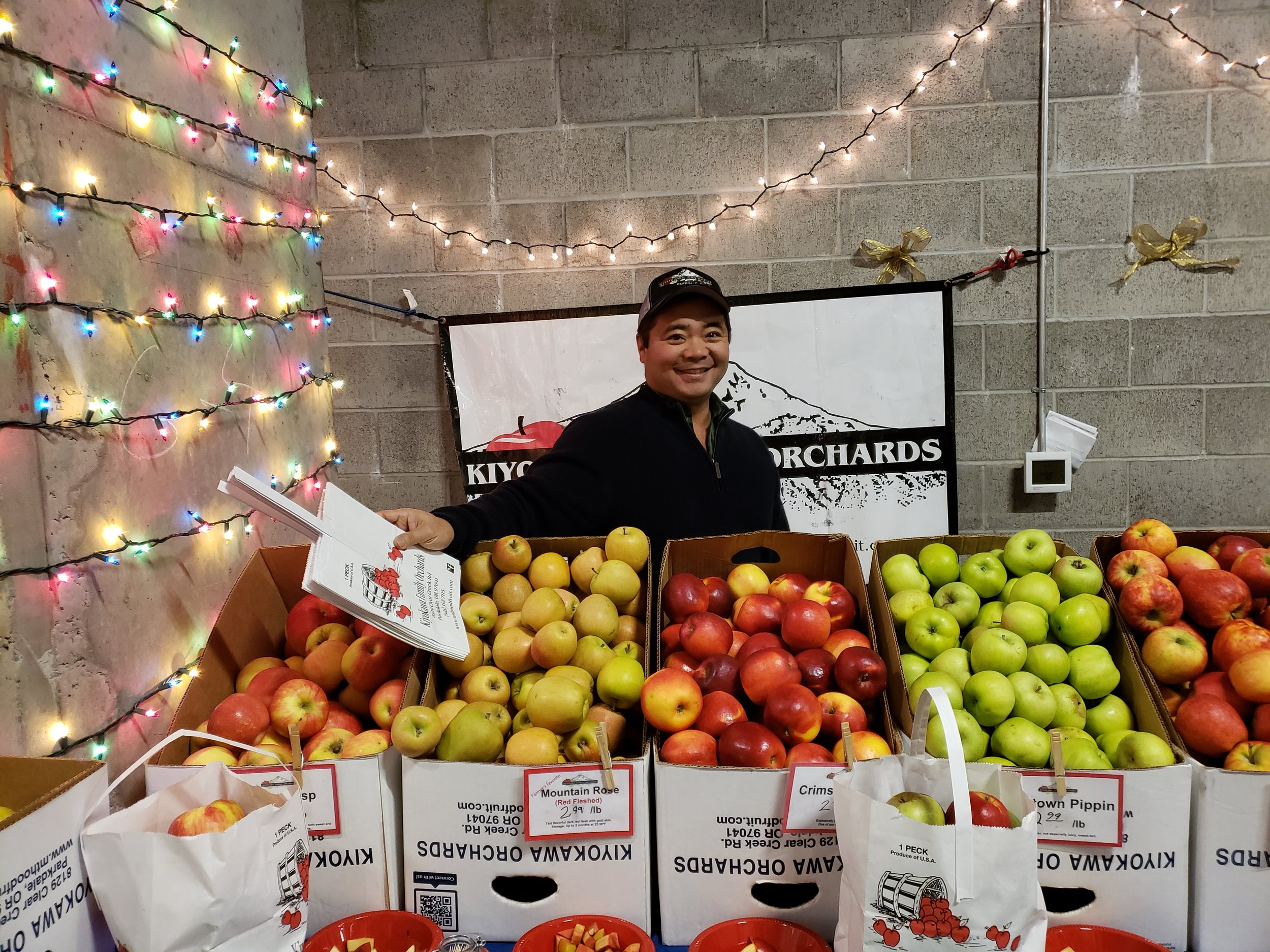 Randy, the owner of Kiyokawa Family Orchards, with his amazing array of apples.