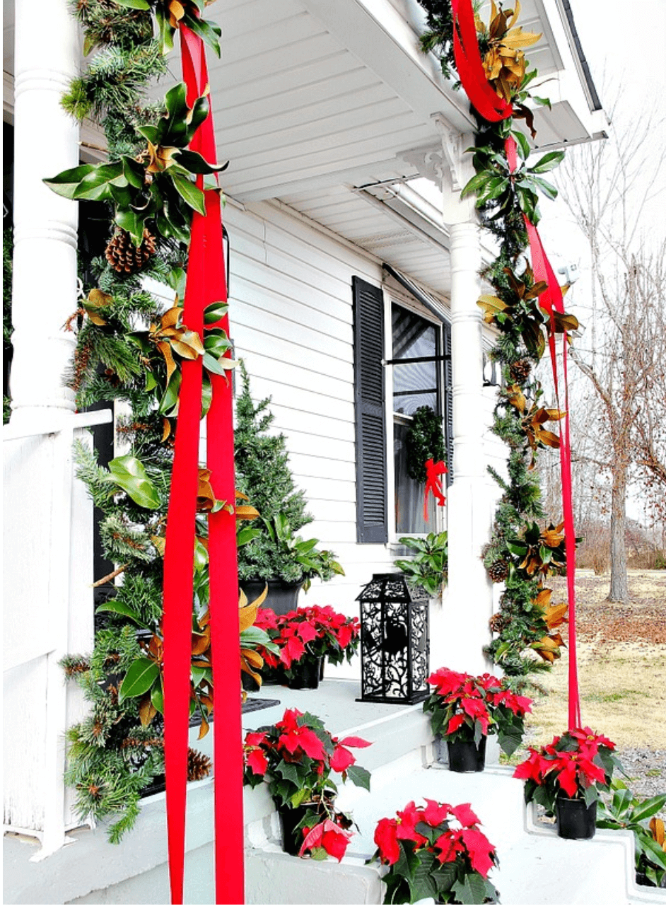 Anne White Interiors Blog | merry & bright outdoor Christmas decorating