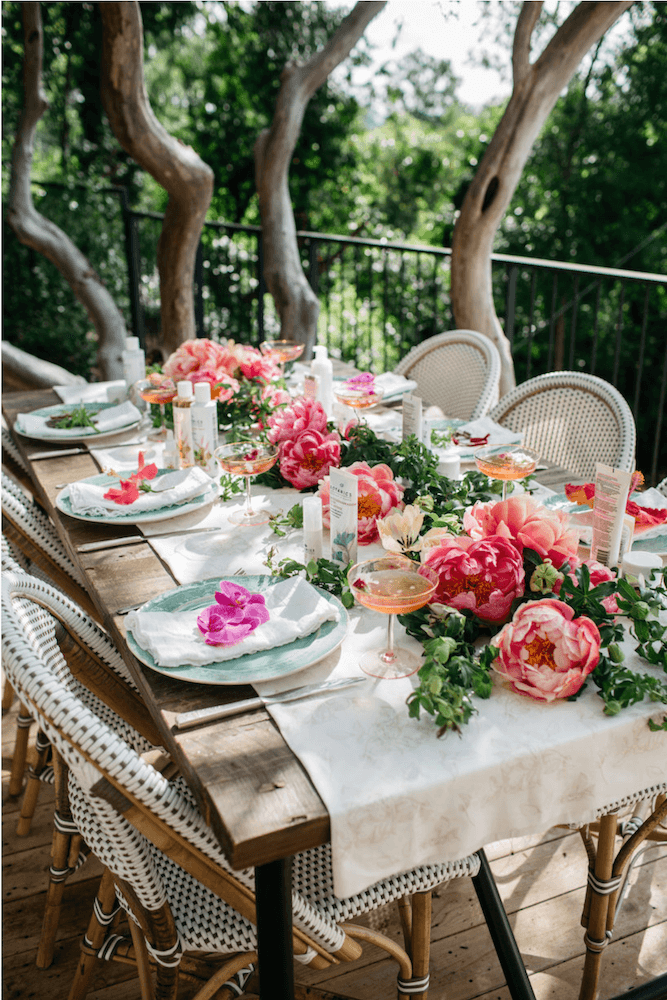 Anne White Interiors Blog | 21 stunning springtime party table decorations