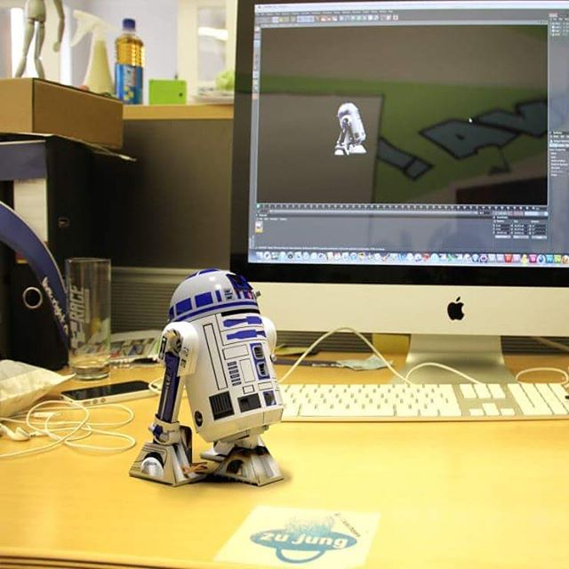 R2 for real or  #cgi ? ;) you be the judge ;) #throwback (you can tell by the old iphone in the back) . . . . #starwars #r2d2 #starwarsfanart #3ddesign #3d #3dmodel #rendering #c4d #c4dart #artofinstagram #artofvisuals #compositing #hdrlighting