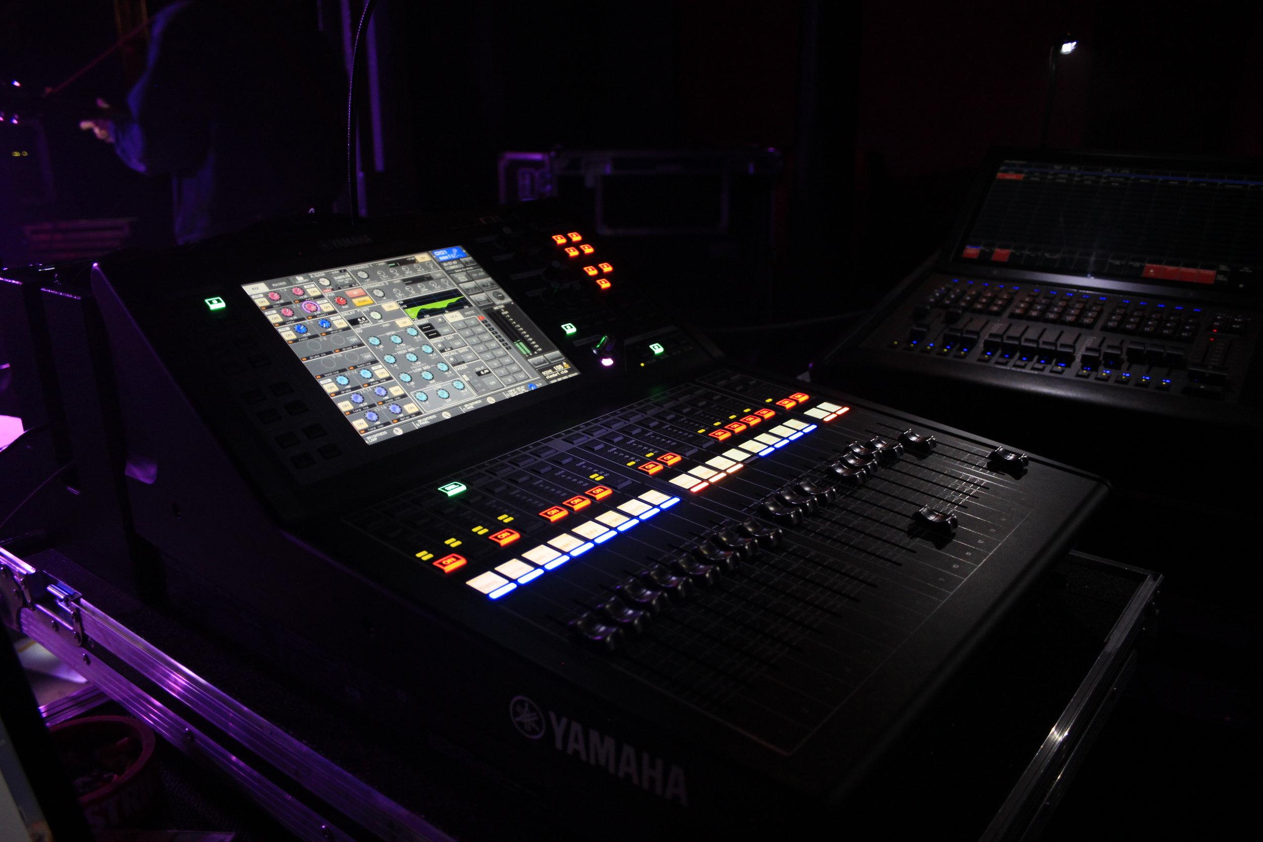 Yamaha QL1 2017.JPG