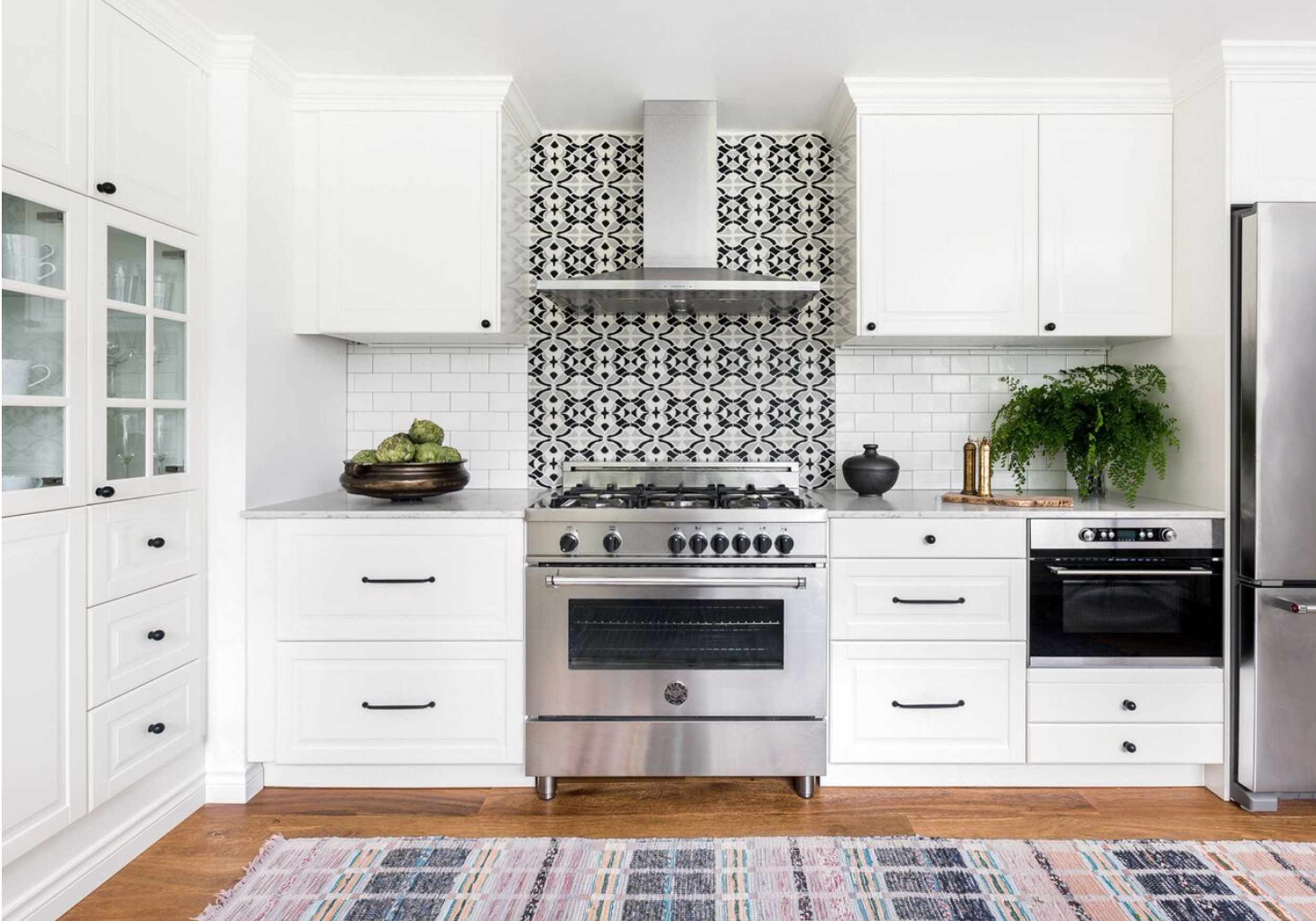 PRIVATE RESIDENCE-KITCHEN     BEQUIA  CEMENT TILE SEATTLE, WASHINGTON