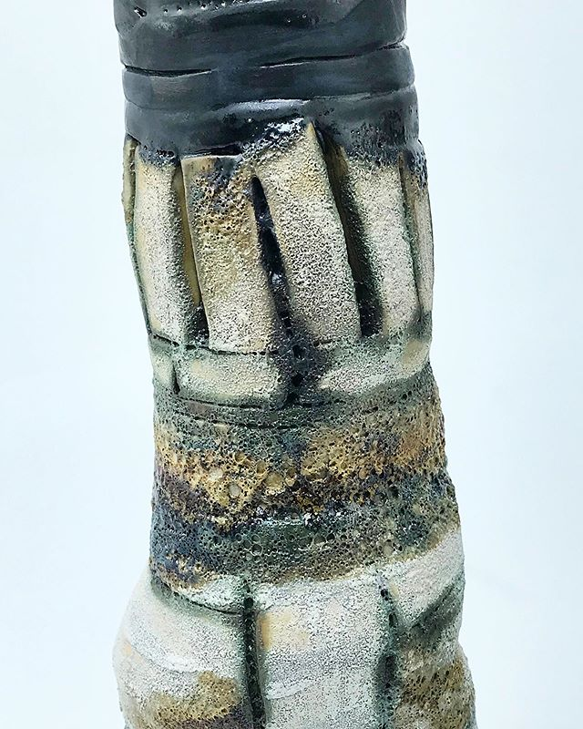 "Taking the final photos of ceramic pieces for sale. If you're not on the email list you can't get access!! So go join NOW! This one just came out the kiln. This texture is sending all kinds of chills through me. Wanna see the full piece? Be sure to sign up on the ""Ceramic wait list"" Link in bio #ceramicvessels . . . #handmade #pottery #handbuilding #clayart #clay #ceramic #glaze #artisan #potter #oneofakind #decorative #functionalart #drawingwhileblack #blackpotter #blackartist #blackpottery #handbuiltceramics #handbuiltpottery #ceramicart #ceramicartist #stonewarepottery"