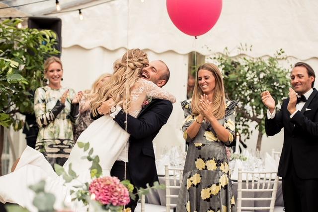 Jätteballonger som bröllopsdekoration