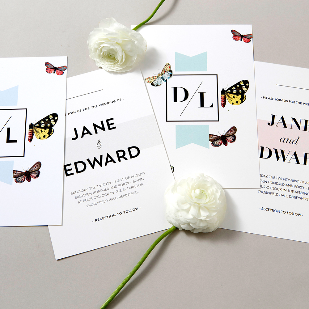 Bröllopsinbjudan med fjärilar