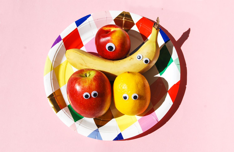 frukter med ögon finaste dekorationen på fruktkalas