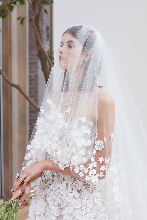 11-oscar-de-la-renta-bridal-2018.jpg