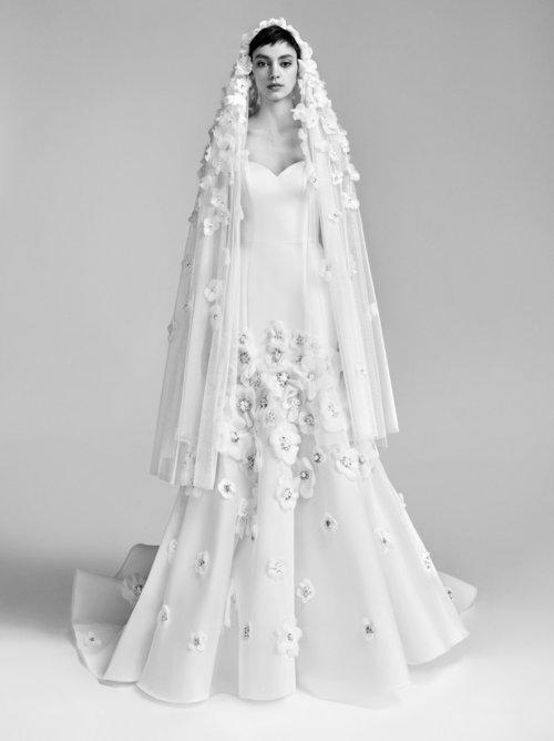 22-viktor-rolf-spring-18-bridal.jpg