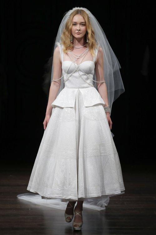 12-naeem-khan-spring-18-bridal.jpg