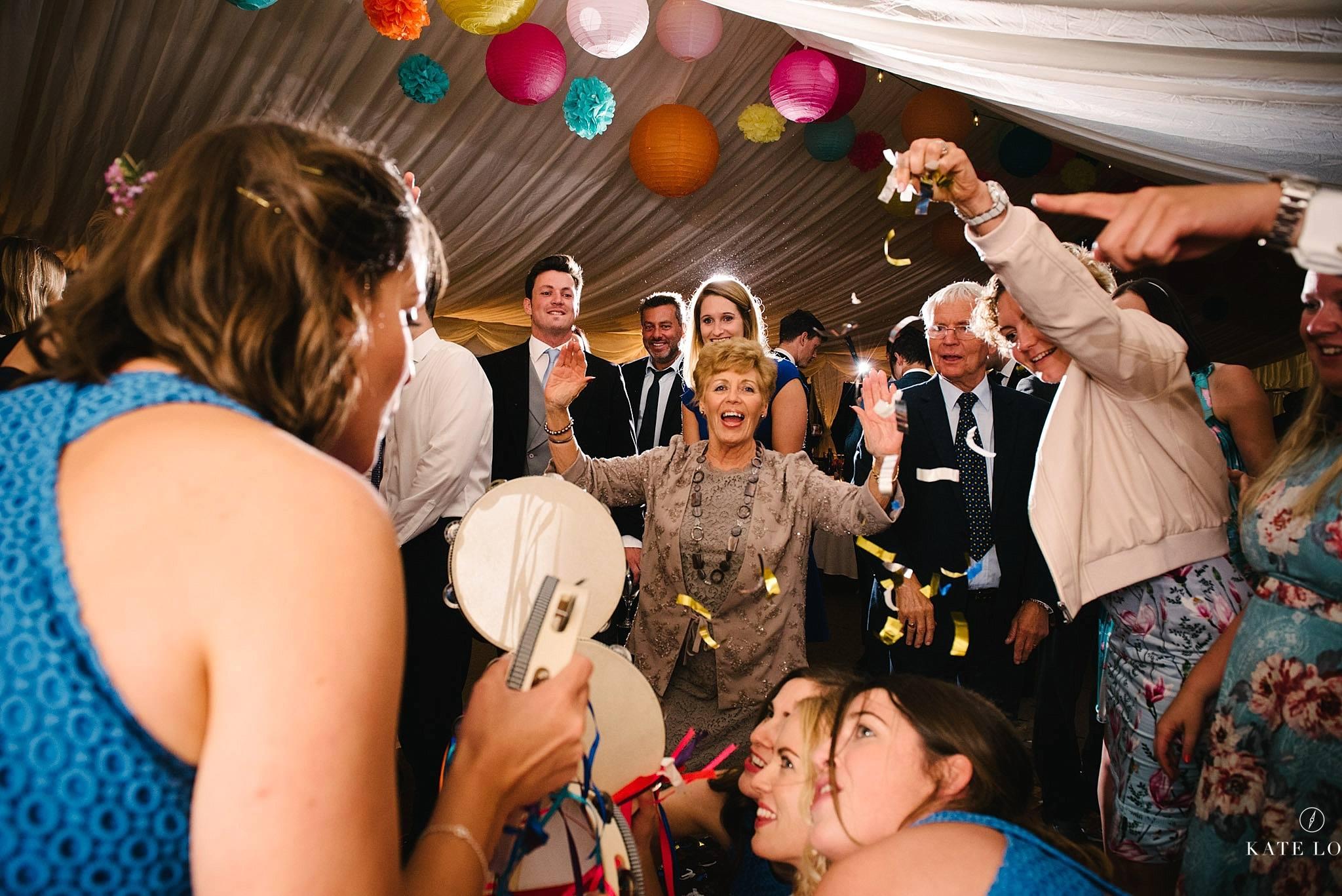 dansgolvet på engelskt bröllop i Surrey