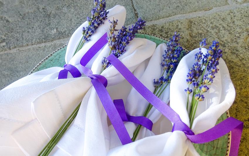 Lavendel som servett dekorationer