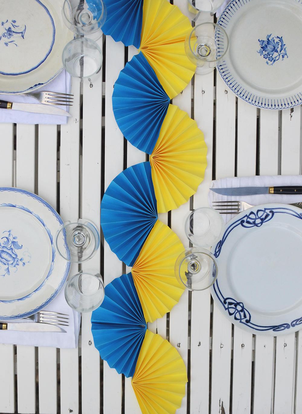 blå gul solfjädersgirlang