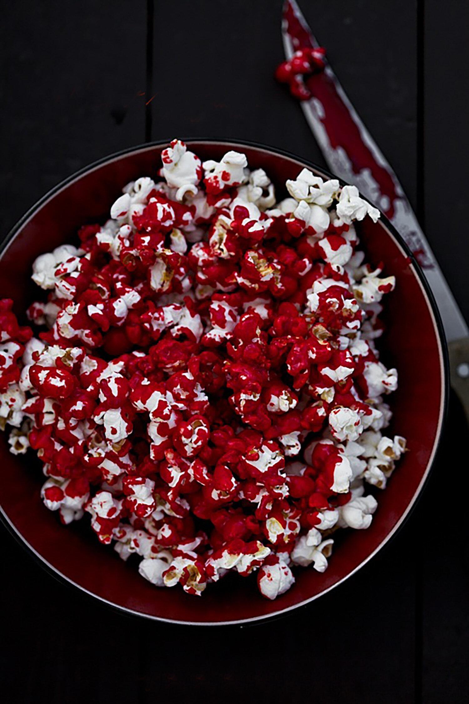 Blodiga popcorn till Halloween
