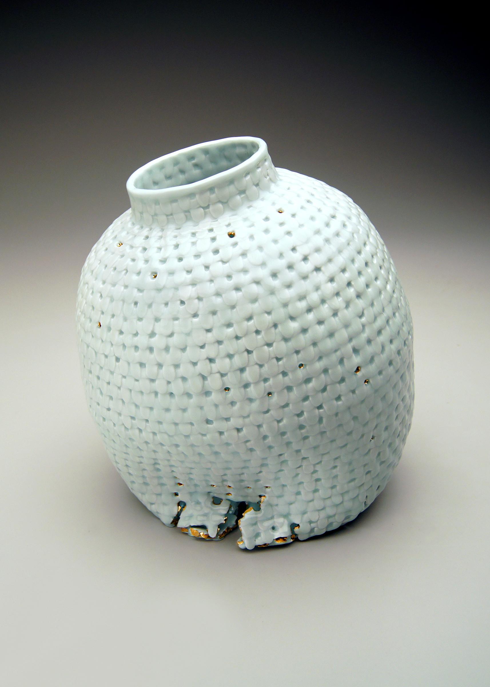 "Yoonjee Kwak: ""Sincerely"" porcelain & gold  est Vale: $700"