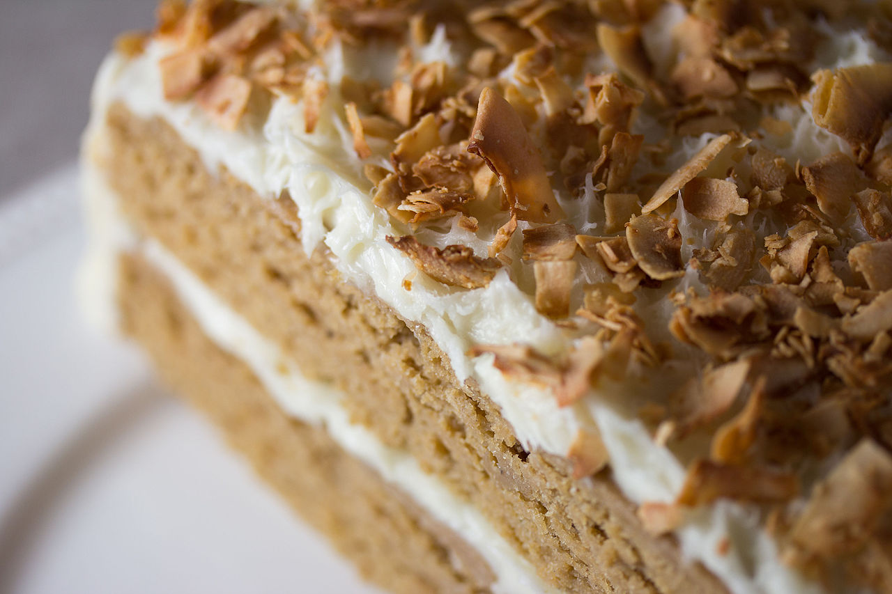 Vegan_Toasted_Coconut_Cake_(8745839025).jpg