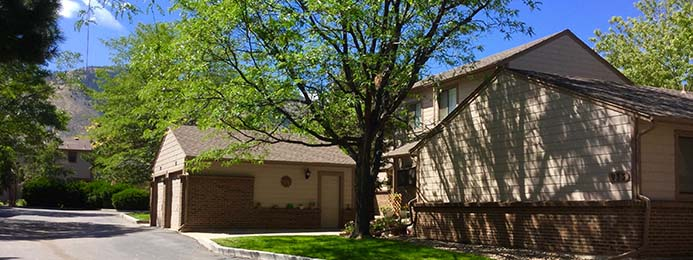 Kinney Run Townhome community is conveniently close to hiking and biking trails and the Fossil Trace golf course in Golden, Colorado