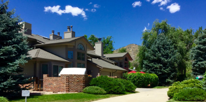 Lookout Landing Townhomes are just one block from Lions Park, Clear Creek the Golden Library and Golden's history museums in Golden, Colorado