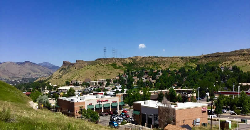 Skyline Townhomes is close to local parks and trails for hiking and biking. King Soopers and many other shops and merchants in Golden, Colorado