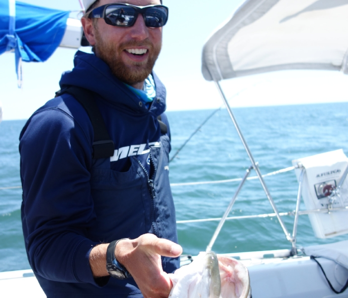 BAHAMAS CHARTER CAPTAIN JOE FISHING