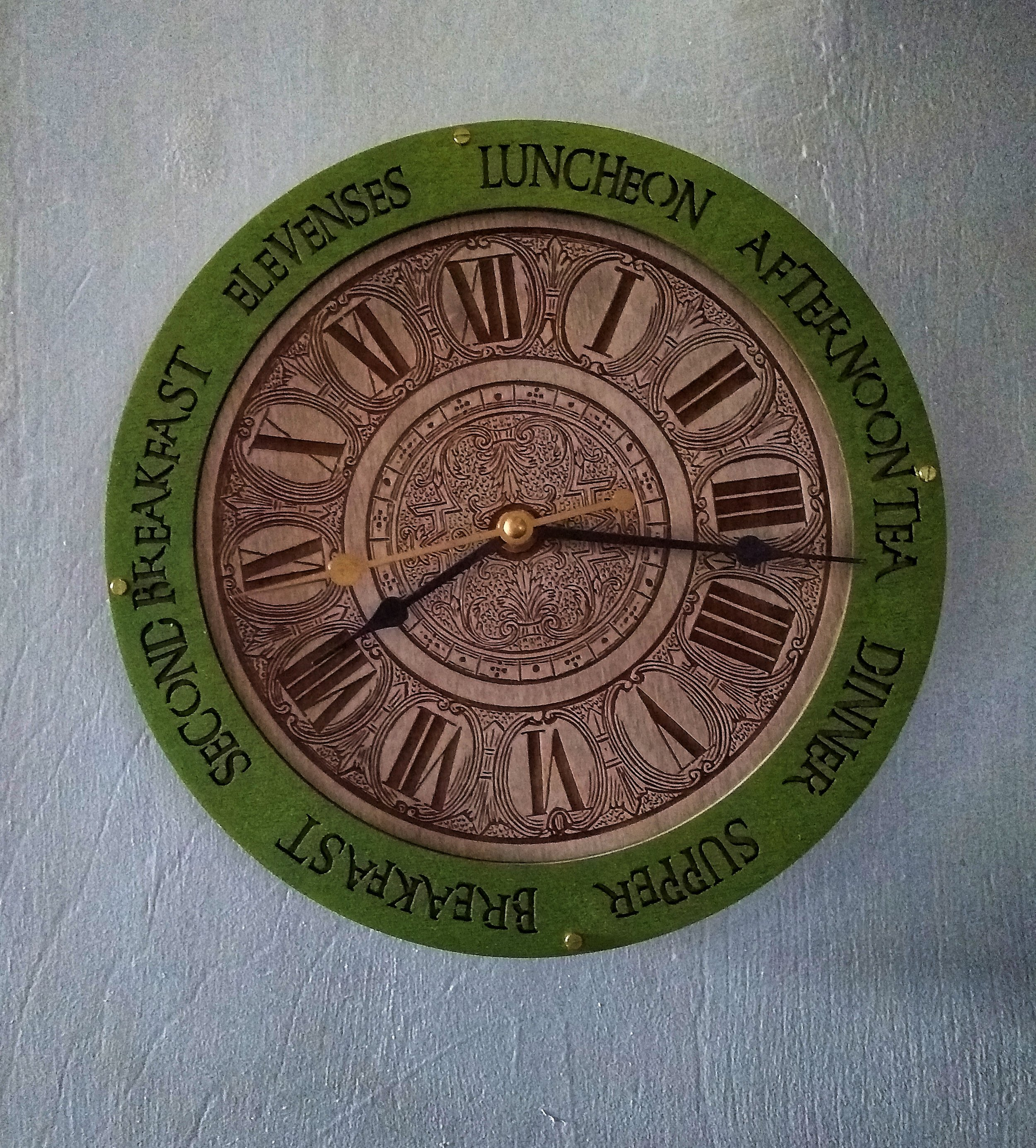 hobbit-clock.jpeg
