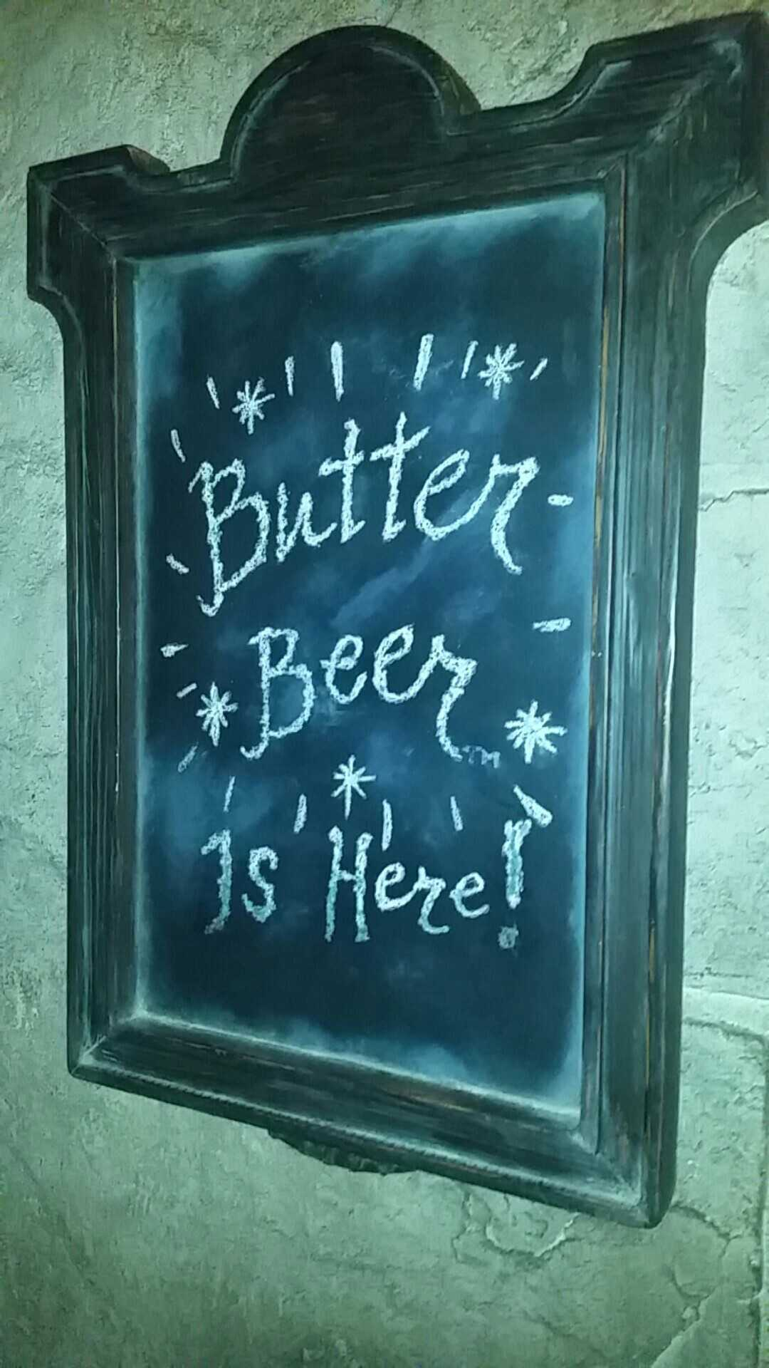 I couldn't find a photo I took of the Butterbeer Potted Cream, but here's a sign from inside the Leaky Cauldron.
