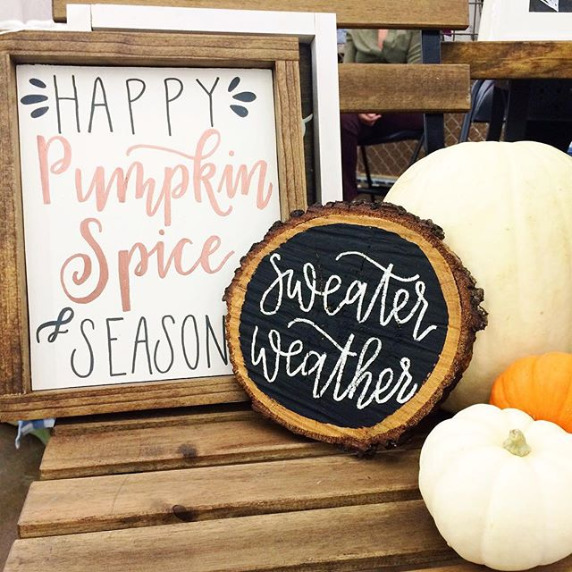 Fleastyle is still going strong! We are here for 2 more hours! Come see our new pieces! . . . . . . #fleastyle #shopfleastyle #makersgonnamake #dallascalligrapher #dfwcalligraphy #handlettered #handmadecalligraphy #rusticsign #woodsigns #handletteredsign #homedecor #falldecor