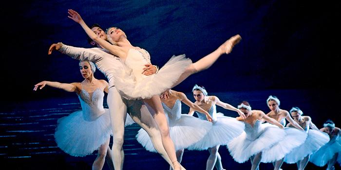 CC_St_Petersburg_Ballet_Alamy_RM_700x350_tcm22-120101.jpg