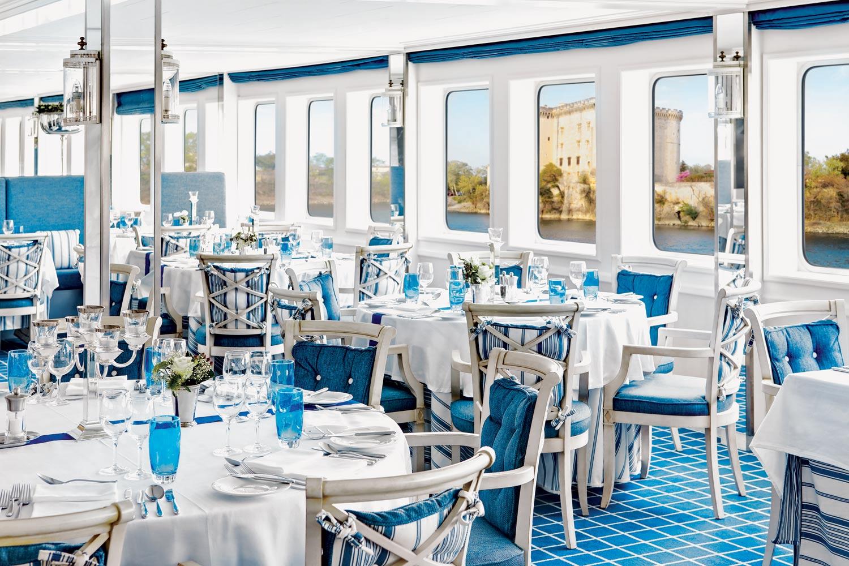 pr_uw_rr_fr_restaurant_9568.jpg