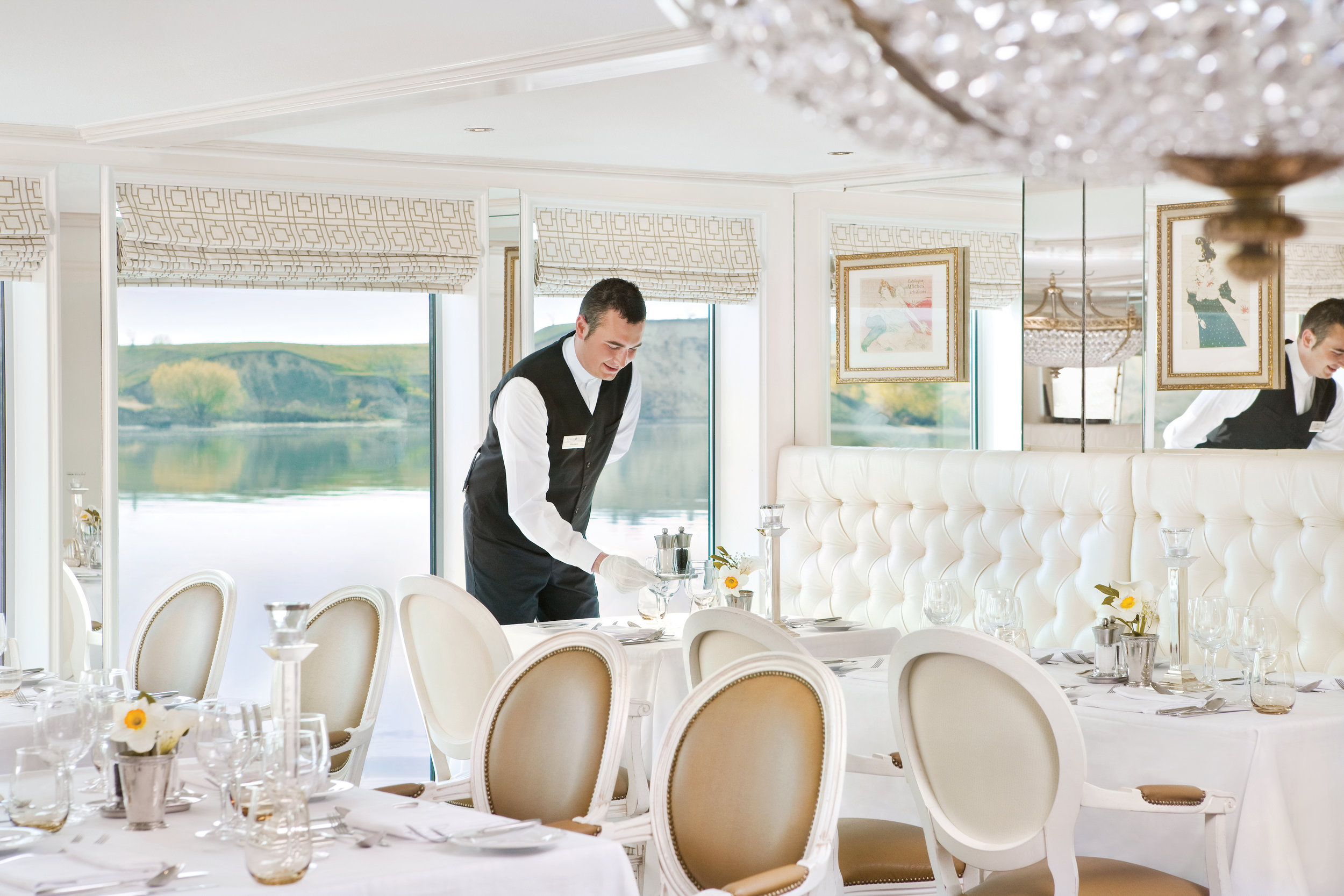 uniworld-boutique-river-cruises-river-countess-interior-restaurant-service-1.jpg