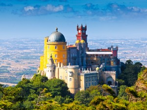 Portugal-Pena-National-Palace-in-Sintra-shutterstock_81933538-300x225.jpg