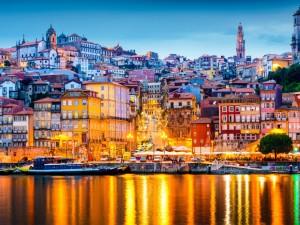 Portugal-Porto-Night-300x225.jpg