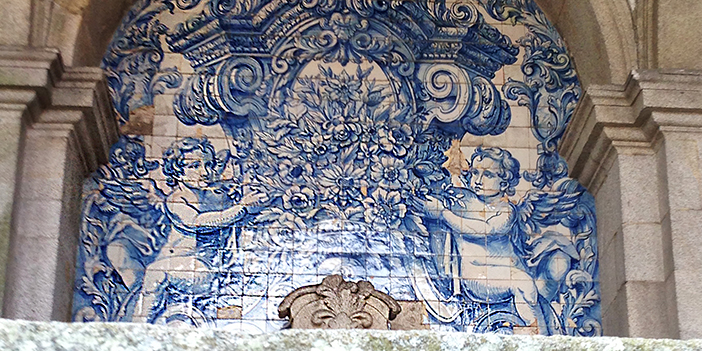 Porto_Tile_Niche_2_702x351_tcm22-40104.jpg