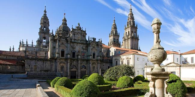 Santiago_de_Compostela_Church_Alamy_RM_650x325_tcm22-60597.jpg