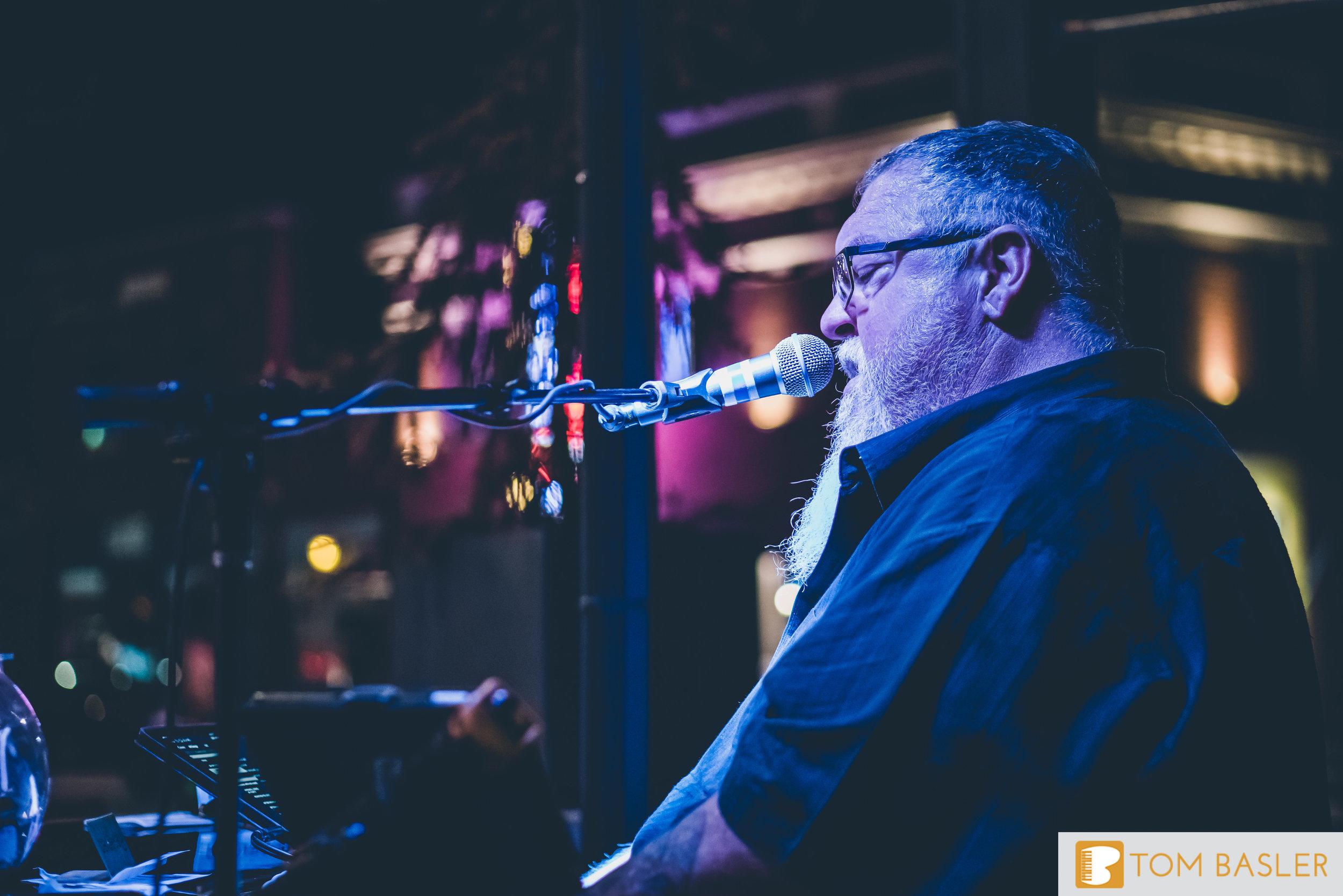 Tom Basler Dueling Pianist at Roosevelt's Tulsa-4.jpg