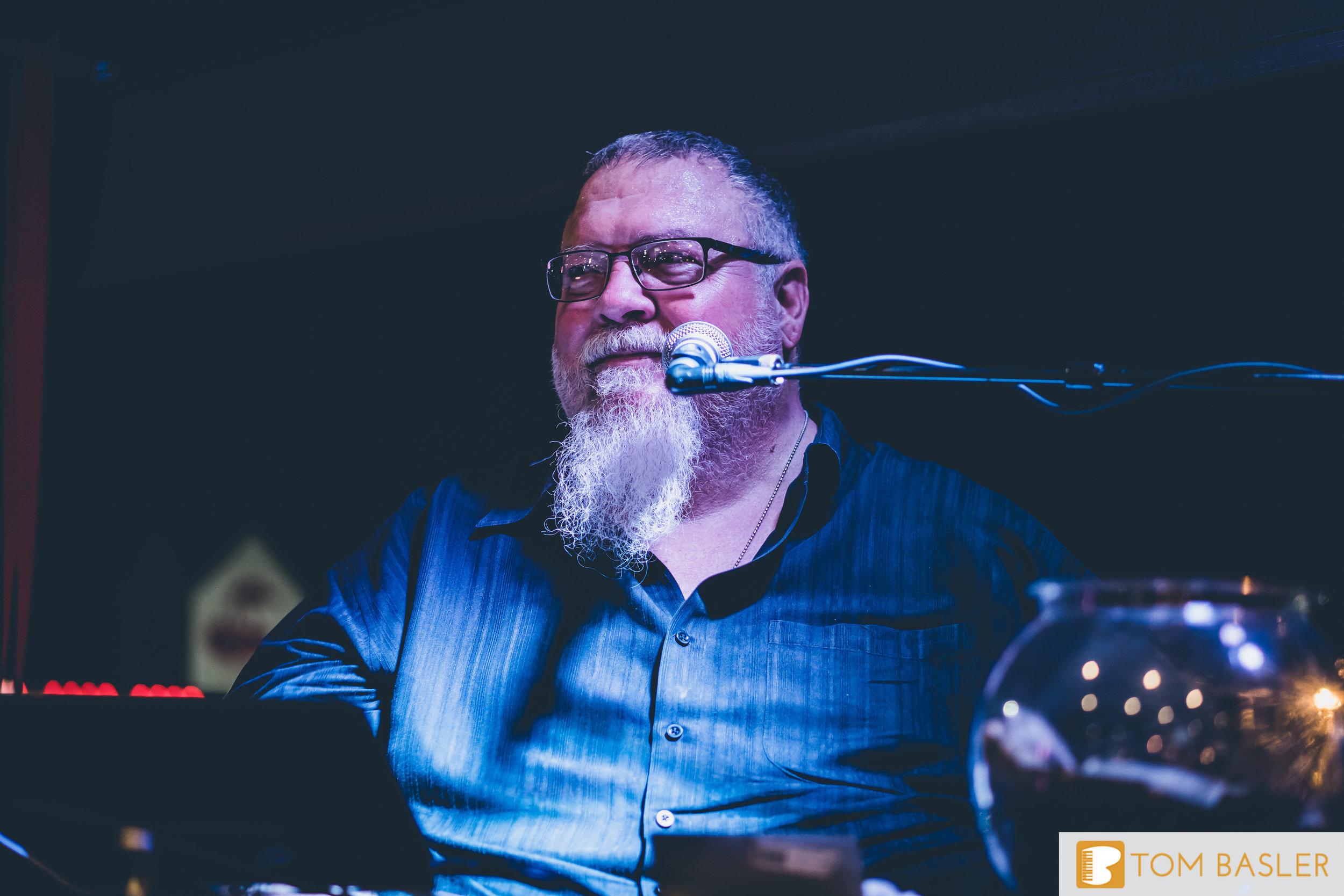 Tom Basler Dueling Pianist at Roosevelt's Tulsa-7.jpg