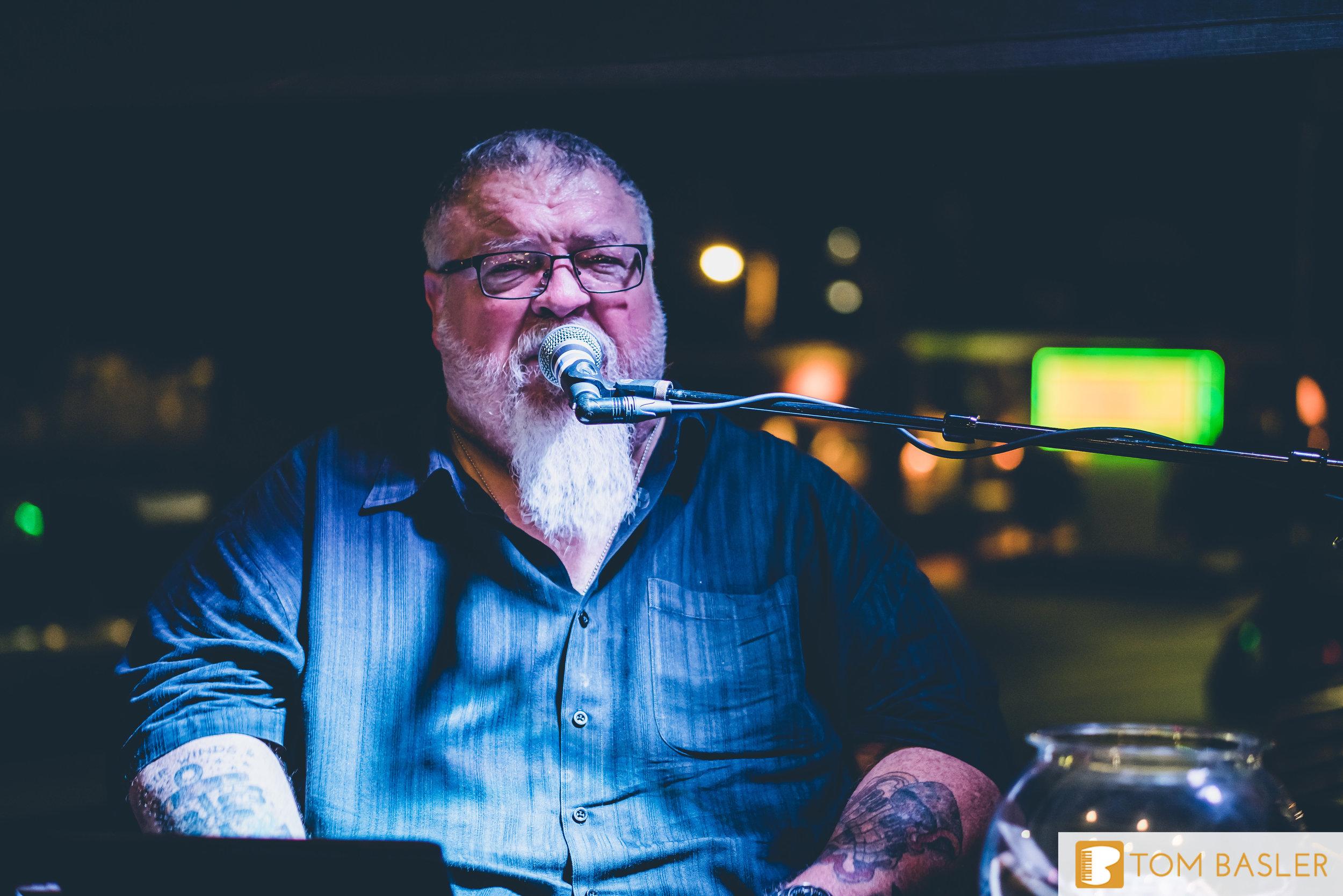 Tom Basler Dueling Pianist at Roosevelt's Tulsa-8.jpg