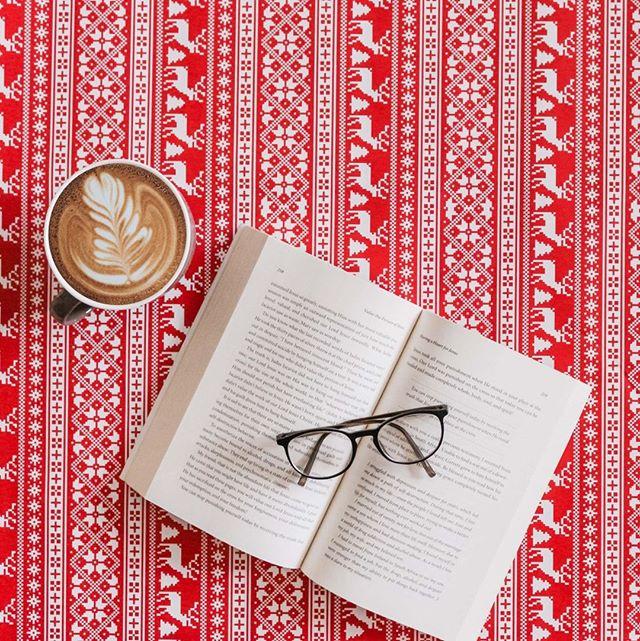 Sommarledigheterna närmar sig med stormsteg och även i år har vi listat boktips inför längre dagar och ledig tid. Klicka på länken i bion för att ta del av 10 böcker med tema ledarskap som du bara inte får missa!
