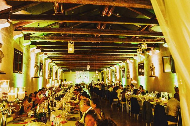 Allestiamo magiche atmosfere, anche a cena. —  We set up magic dinners.  #tecnosound #service #events #eventi #weddigs #matrimonio #weddingdesign #weddingreception #wedding #weddingday #weddingideas #wedingday #weddingideas #wow #amazing #ideas #love #italia #italy #weddinginitaly #dancefloor #lighting #lightdesign #audio #music #weddingmusic #weddingplanner #luxurywedding #luxury #luxuryevents