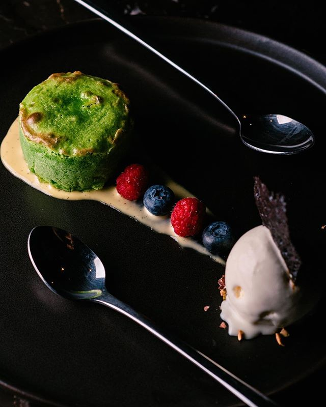 When Friday tastes so sweet // Pandan Soufflé - Pandan Infused Lava Cake with Vanilla Ice Cream
