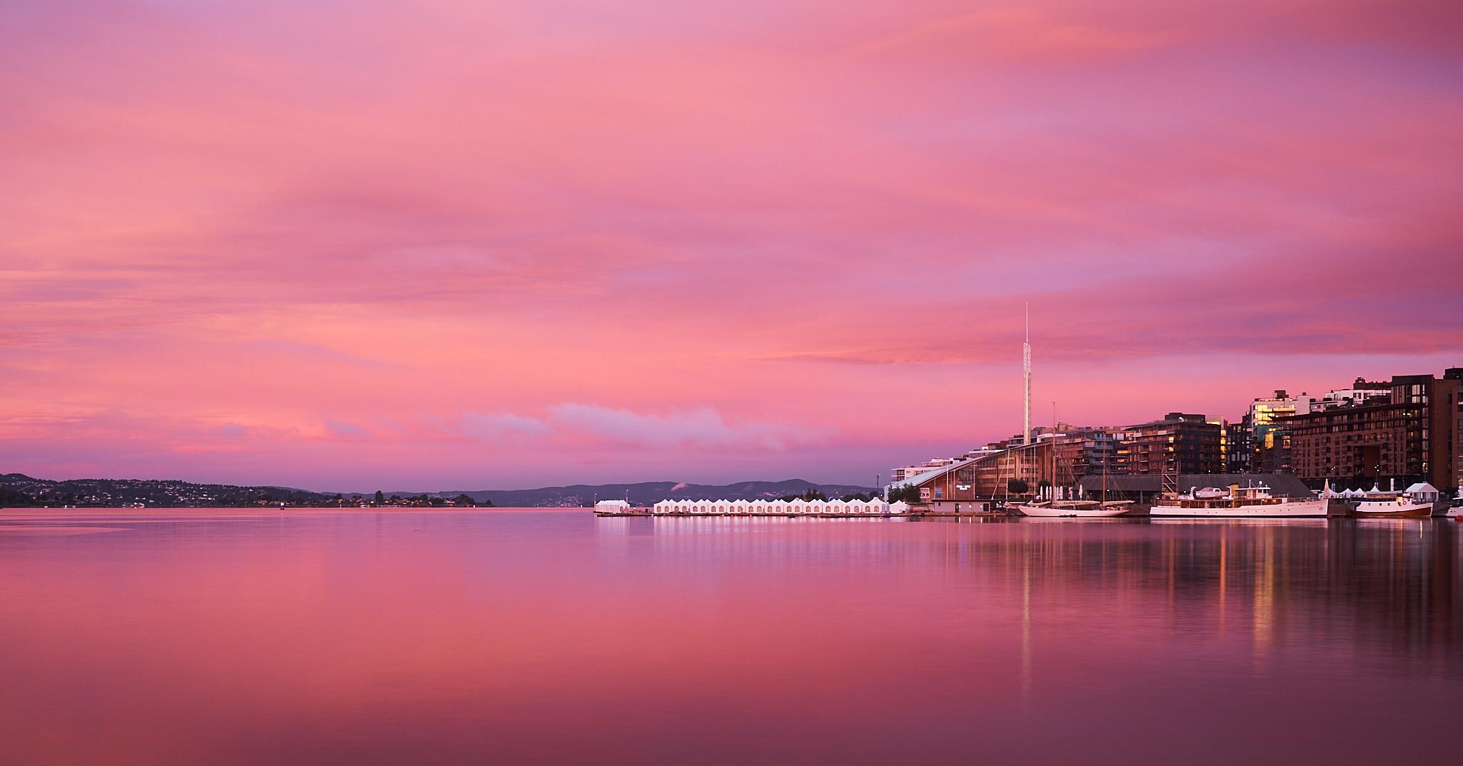 Sunrise over aker brygge