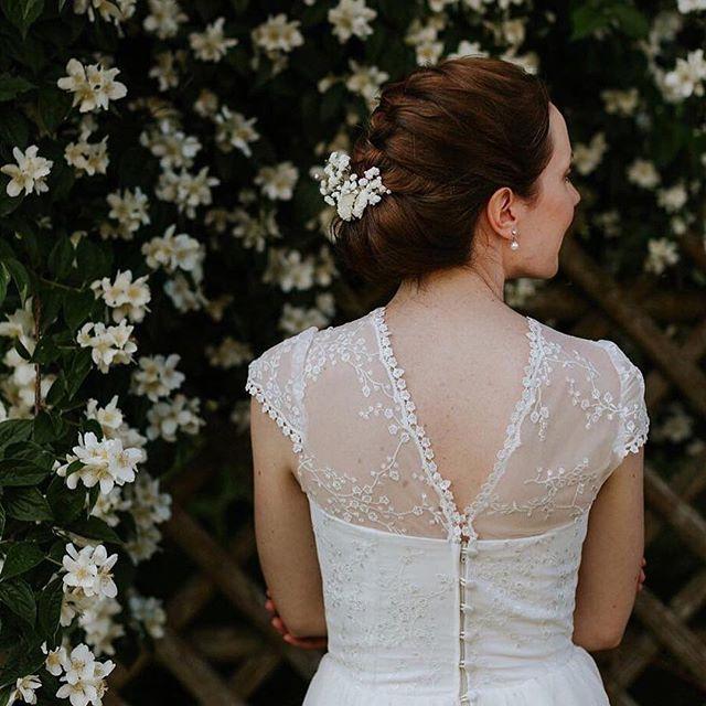 #Repost @dani_la_reske ・・・ H&M @you_are_bride / @stilett_boutique / Ceremony @sabine_von_traubar / 💛 #wedding #weddinglocation #eventlocation #weddingphotographer #weddingdress #bridetobe #bride2018 #bride2019 #instabride #instawedding #love #documentary #photo #weddingphoto #bride2be #gettingmarried #weddingseason #mrandmrs #magic #braut2018 #braut2019 #drfotografie #hochzeit #hochzeitsfotografie #braut #bride #guthalsberg