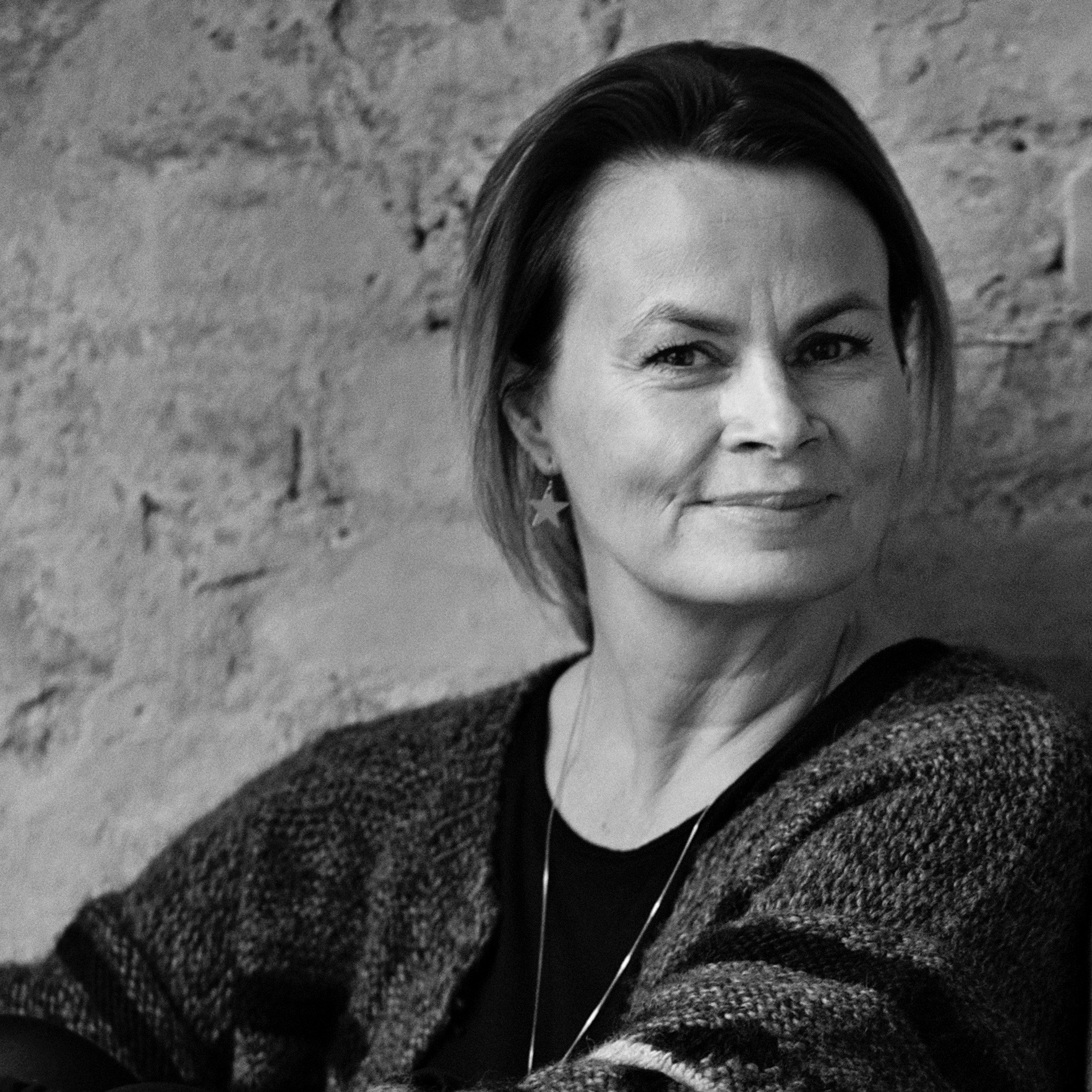 Caroline von Hoyningen-Huun   Design Manager & Founding Partner  +47 90 66 55 52  Caroline @volum2.no