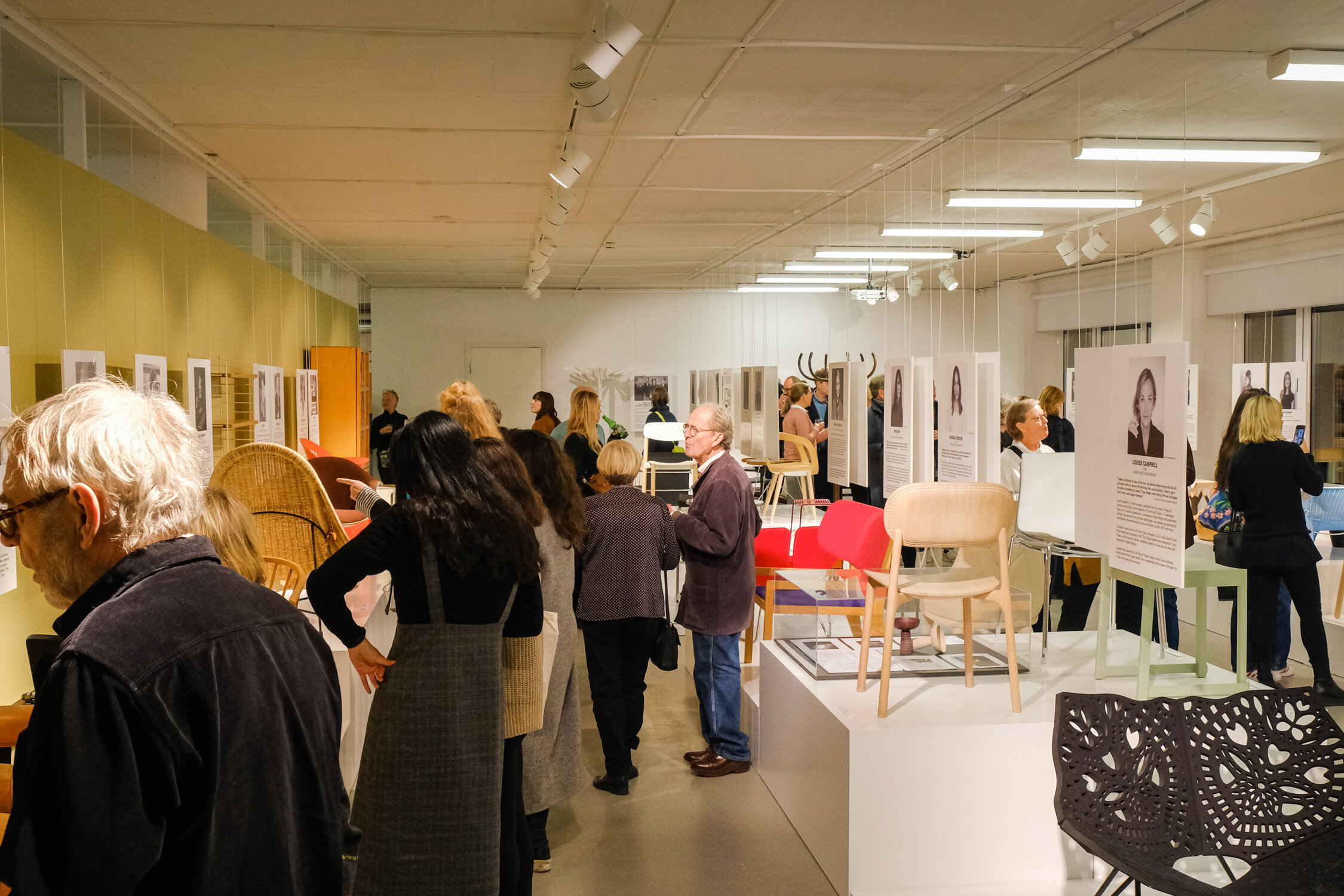 IMAGE FROM THE VERNISSAGE OF THE EXHIBITION FEMALE TRACES